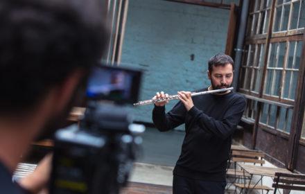 On change nos caméras pour le virtuose Adam Walker