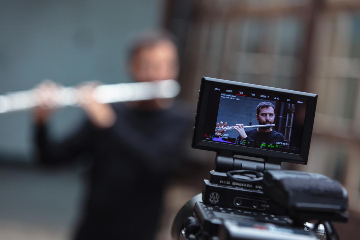 Kossa Productions - Réalisation et montage de film entreprise Agence production audiovisuelle - Blog Adam Walker 05